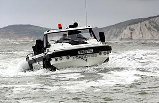 Humdinga p2 sea 2 – front view at sea