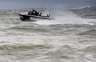 Humdinga p2 sea 2 – wide view at sea